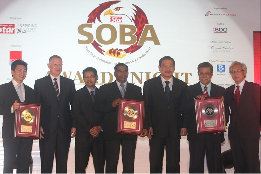 Receiving The Star Outstanding Business Award (SOBA 2011)